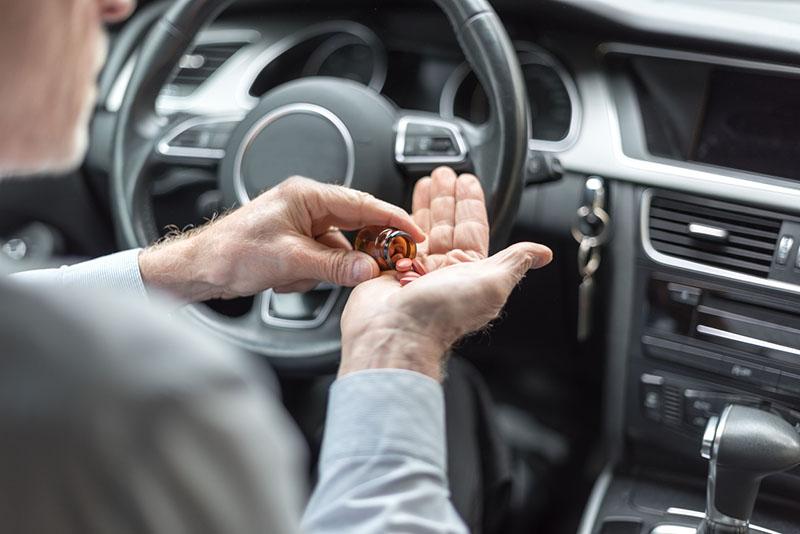 Không nên để thuốc trong xe